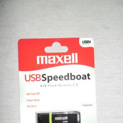 USB 2.0 Flash Drive Флашка Maxell 32 GB.