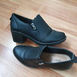 Продавам дамски обувки  36.