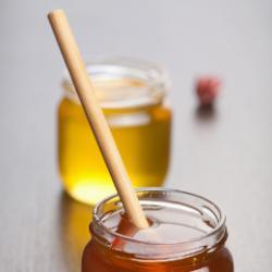 Продавам пчелен мед и пчелни продукти