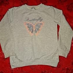 Блузка с пеперуда