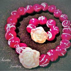 Комплект гривна и пръстен с красива бяла роза и червена мъниста