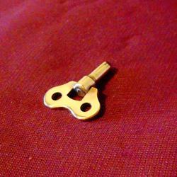 Бронзов ключ за механичен часовник.