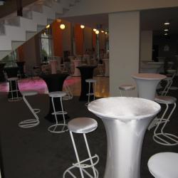 Бар столове под наем от Нова Кетъринг за Вашето събитие
