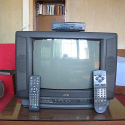 Продавам цветен телевизор - Jvc, заедно с декодер - Strong.