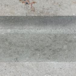 Бетонов елемент за направа на подпорни стени и огради