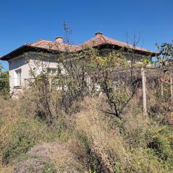 Продавам къща в с. Горна Махала Пловдивско,