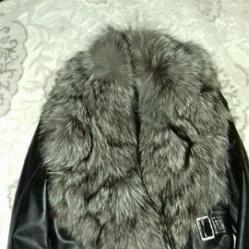 Дамско кожено яке с богата яка от лисица