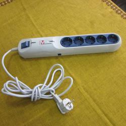 Разклонител със SIM  -  карта за аудиоконтрол