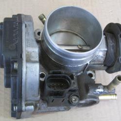 Дроселова клапа 06a133064j  408237111012 Ауди А3 Audi A3 8L