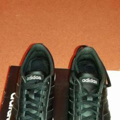 Дамски спортни обувки на Adidas. Размер 36 2 3.