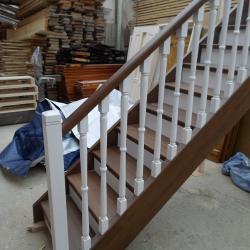 Изработка на стъпала, стълби и парапети за стълбища