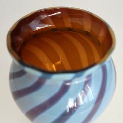 Оригинална вазичка от оловно стъкло