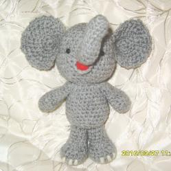 Ръчно плетено слонче, амигуруми