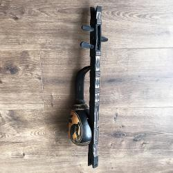 Декоративен музикален инструмент