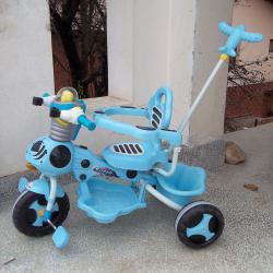 Детска бебешка музикална триколка с педали