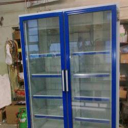 Хладилни витрини  -  вертикални.