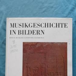 Musikgeschichte in bildern. Band II Musik des altertmus
