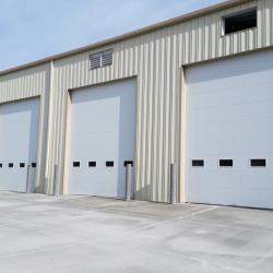Индустриални ролетни и секционни врати