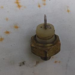 Датчик за налягане на маслото за Джета Голф 2 1,6 бензин