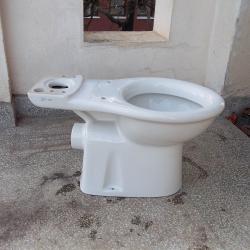 Тоалетна чиния моноблок с казанче Витра Vitra