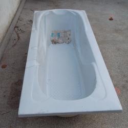 Акрилна вана с висококачествен ABS полимер и допълнително GRP укрепван