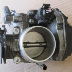 Дроселова клапа 037133064  408237111002 VW Golf Passat