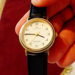 Continental швейцарски ръчен часовник.