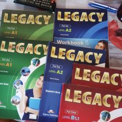Продавам учебници по английски език за 8 клас